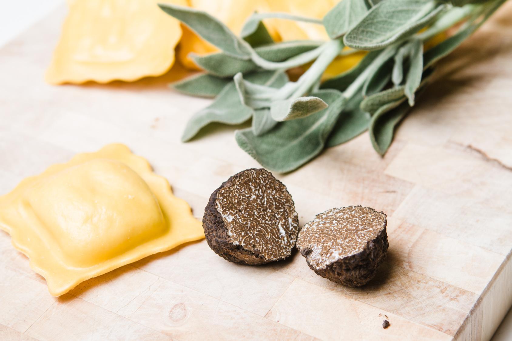 Frische Trüffel Ravioli mit Salbei